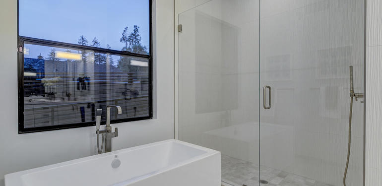 903_Loyola_Dr_Los_Altos_CA-large-030-26-Master_Bath_Tub_and_Shower-1484x1000-72dpi.jpg