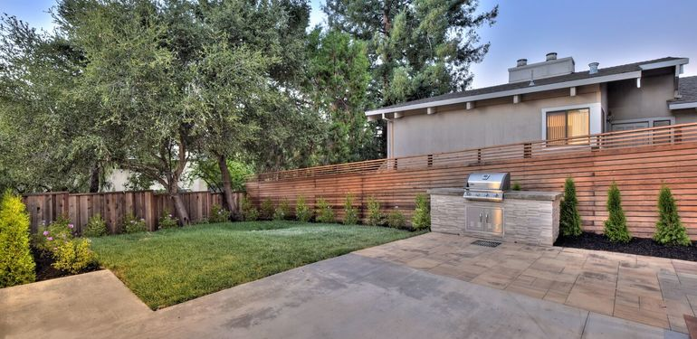 903_Loyola_Dr_Los_Altos_CA-print-040-48-Backyard-3677x2454-300dpi_preview.jpg