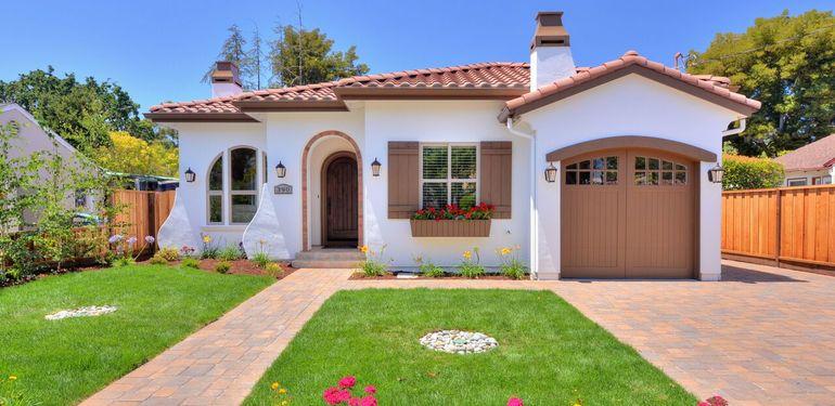 390_Margarita_Ave_Palo_Alto_CA-print-003-Front_Closeup-3677x2452-300dpi_preview.jpg
