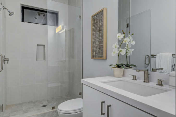903 loyola dr los altos ca small 010 18 downstairs master bath 666x445 72dpi