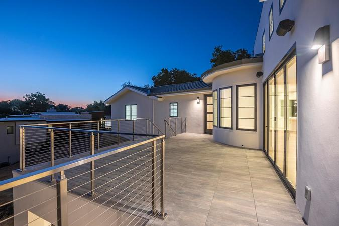 1677 whitham ave los altos ca large 026 027 patio outside of living room 1499x1000 72dpi