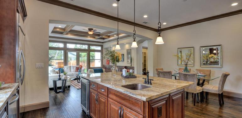 390_Margarita_Ave_Palo_Alto_CA-large-015-Kitchen_View_to_Breakfast_Nook-1499x1000-72dpi.jpg