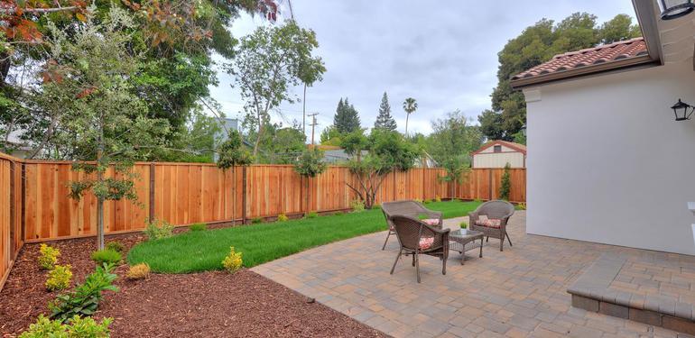 390_Margarita_Ave_Palo_Alto_CA-large-035-Backyard-1498x1000-72dpi.jpg