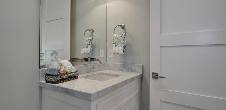 349_Blue_Oak_Lane_Los_Altos_CA-large-038-3-Hall_Bath_Two-1500x994-72dpi.jpg