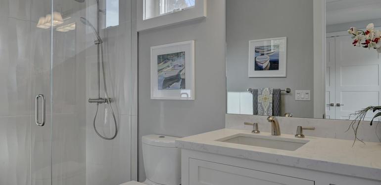 349_Blue_Oak_Lane_Los_Altos_CA-large-032-4-Hall_Bedroom_One_Attached_Bath-1500x1000-72dpi.jpg