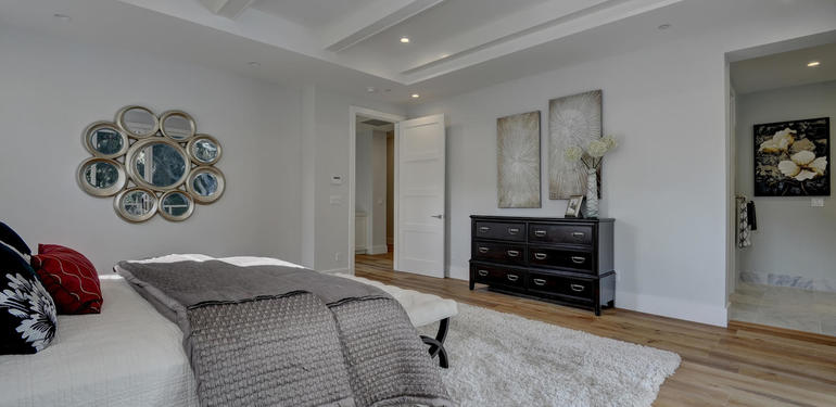 349_Blue_Oak_Lane_Los_Altos_CA-large-023-22-Master_Bedroom_to_Master_Bath-1499x1000-72dpi.jpg