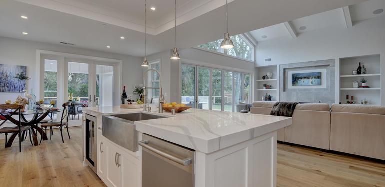 349_Blue_Oak_Lane_Los_Altos_CA-large-019-20-Kitchen_to_Family_Room_View-1498x1000-72dpi.jpg