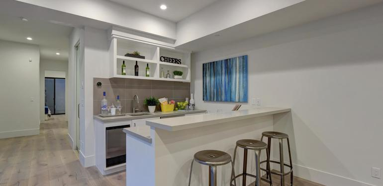 903_Loyola_Dr_Los_Altos_CA-large-014-45-Wet_Bar-1498x1000-72dpi.jpg