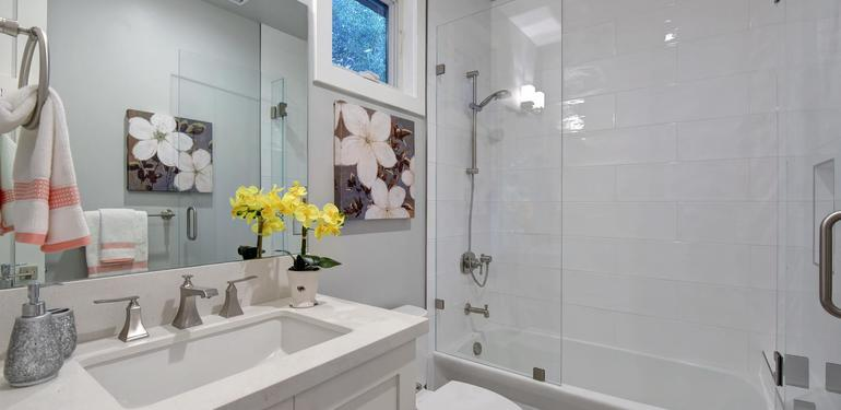 10888_Magdalena_Ave_Los_Altos-large-046-53-Bathroom_Three-1500x1000-72dpi.jpg