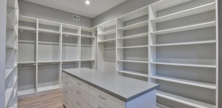 1677_Whitham_Ave_Los_Altos_CA-large-020-015-Walkin_Closet_in_Master-1499x1000-72dpi.jpg