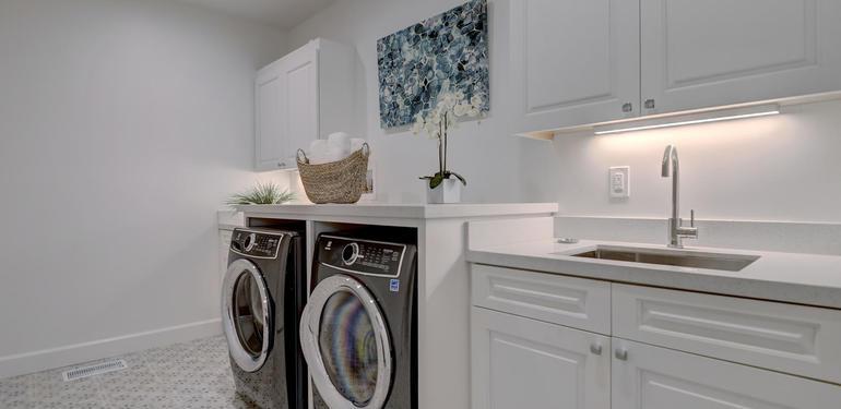 10880_Magdalena_Rd_Los_Altos-large-037-30-Laundry-1500x1000-72dpi.jpg