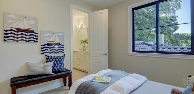 10880_Magdalena_Rd_Los_Altos-large-048-48-Upstairs_Bedroom_two_to-1499x1000-72dpi.jpg