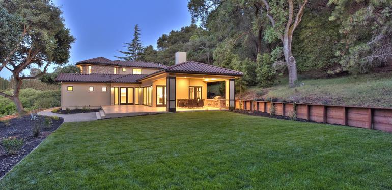 10880_Magdalena_Rd_Los_Altos-large-061-9-Backyard_View_at_Dusk-1499x1000-72dpi.jpg