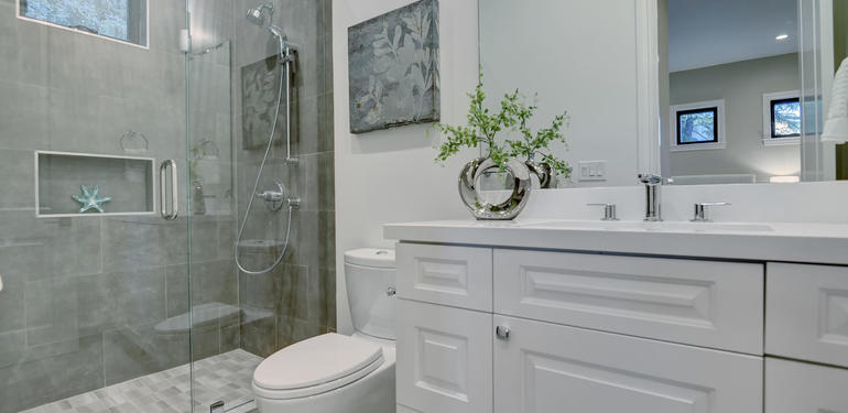 10880_Magdalena_Rd_Los_Altos-large-032-43-Guest_Bath-1498x1000-72dpi.jpg