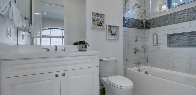 10880_Magdalena_Rd_Los_Altos-large-036-60-Downstairs_Bathroom_to-1499x1000-72dpi.jpg
