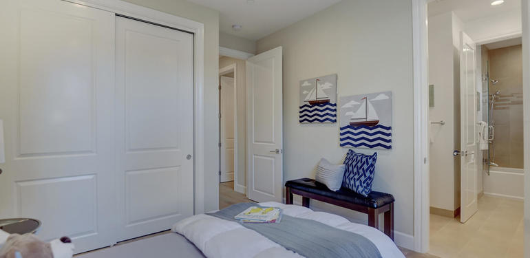 10880_Magdalena_Rd_Los_Altos-large-047-52-Upstairs_Bedroom_two_to_Bath-1500x1000-72dpi.jpg