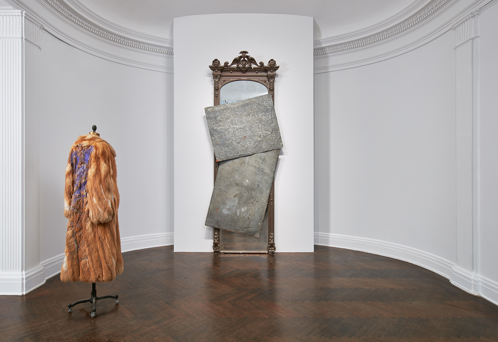 Installation view of David Hammons at Mnuchin Gallery. Courtesy Mnuchin Gallery. Art (c) David Hammons. Photo Tom Powel Imaging.