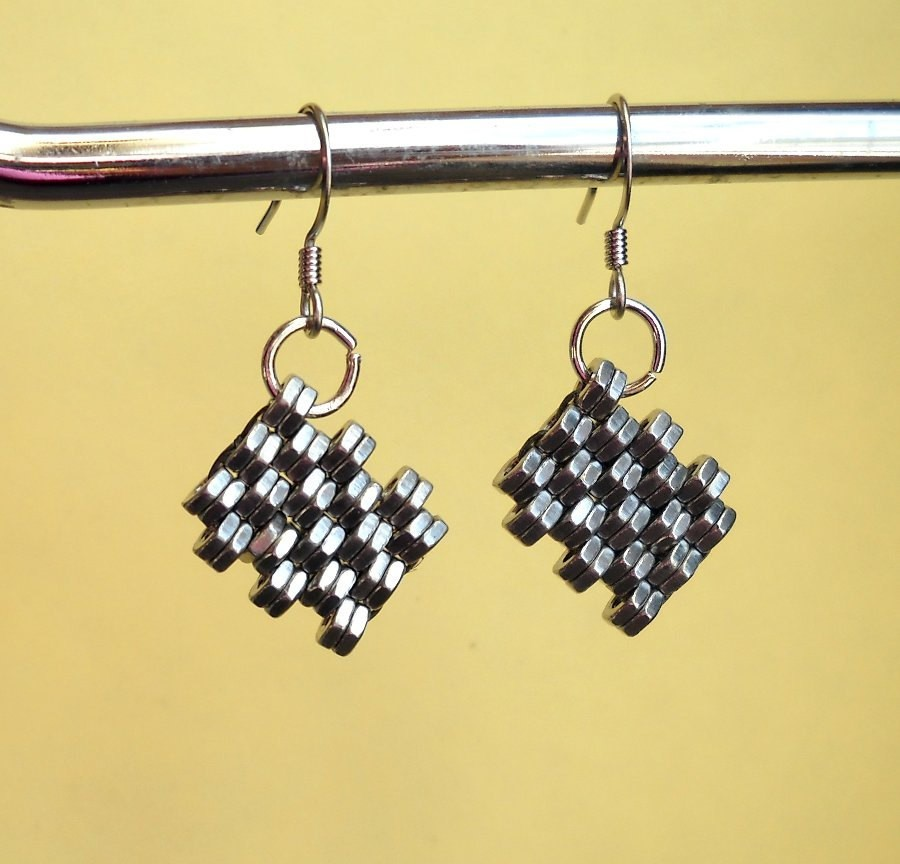Crosshatch Earrings - Bits and Pieces