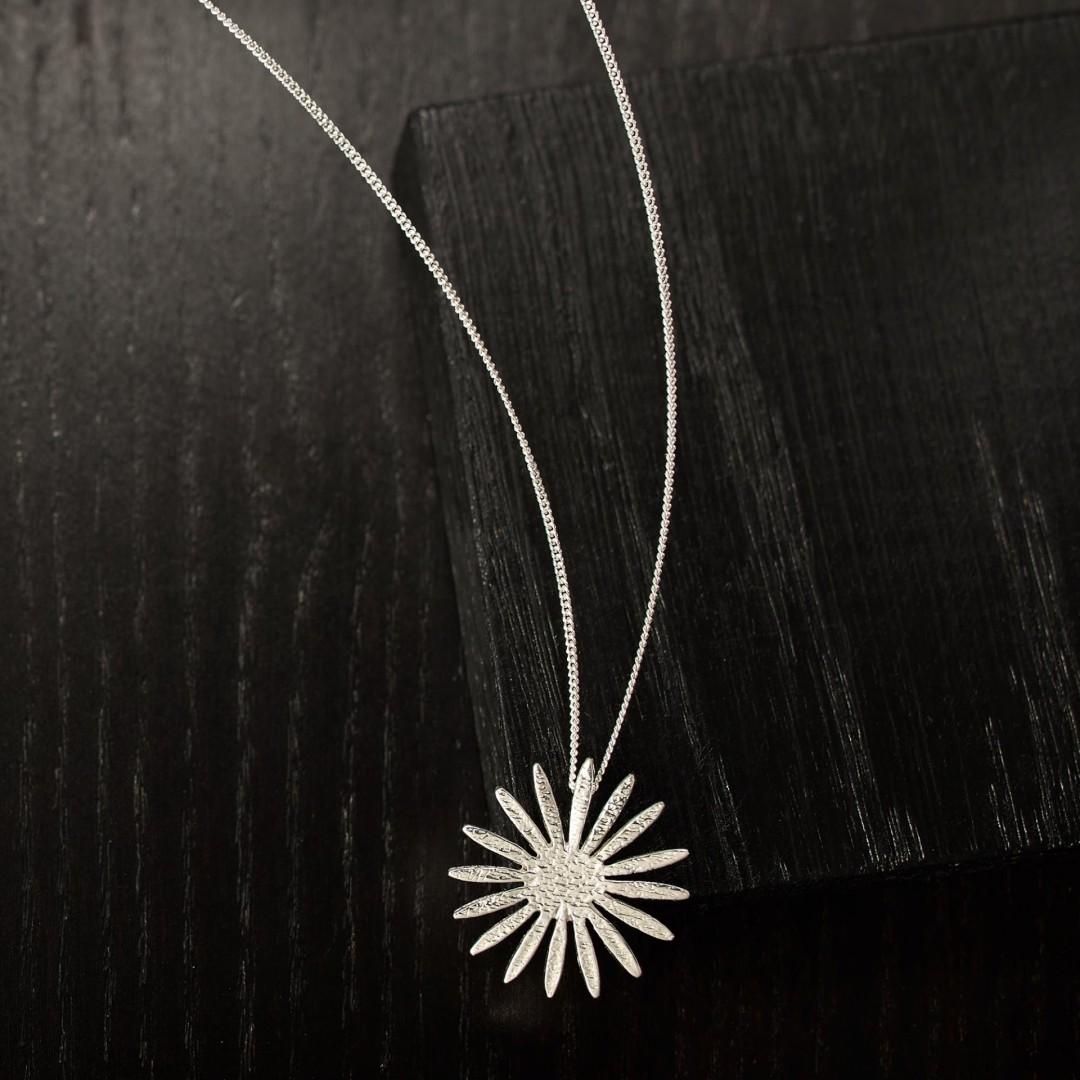 Daisy -handmade- sterling silver