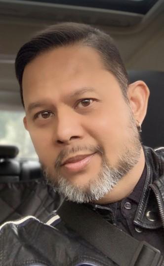 Ron Abansado user profile
