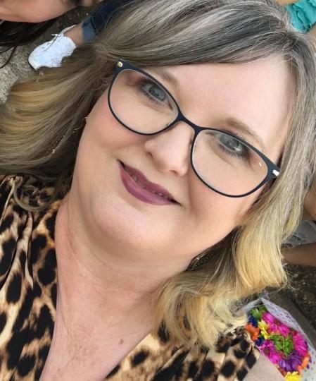 Hollie Ward user profile
