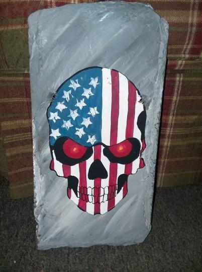 Flag skull slate