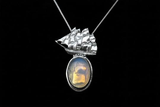Moby Dick pendant