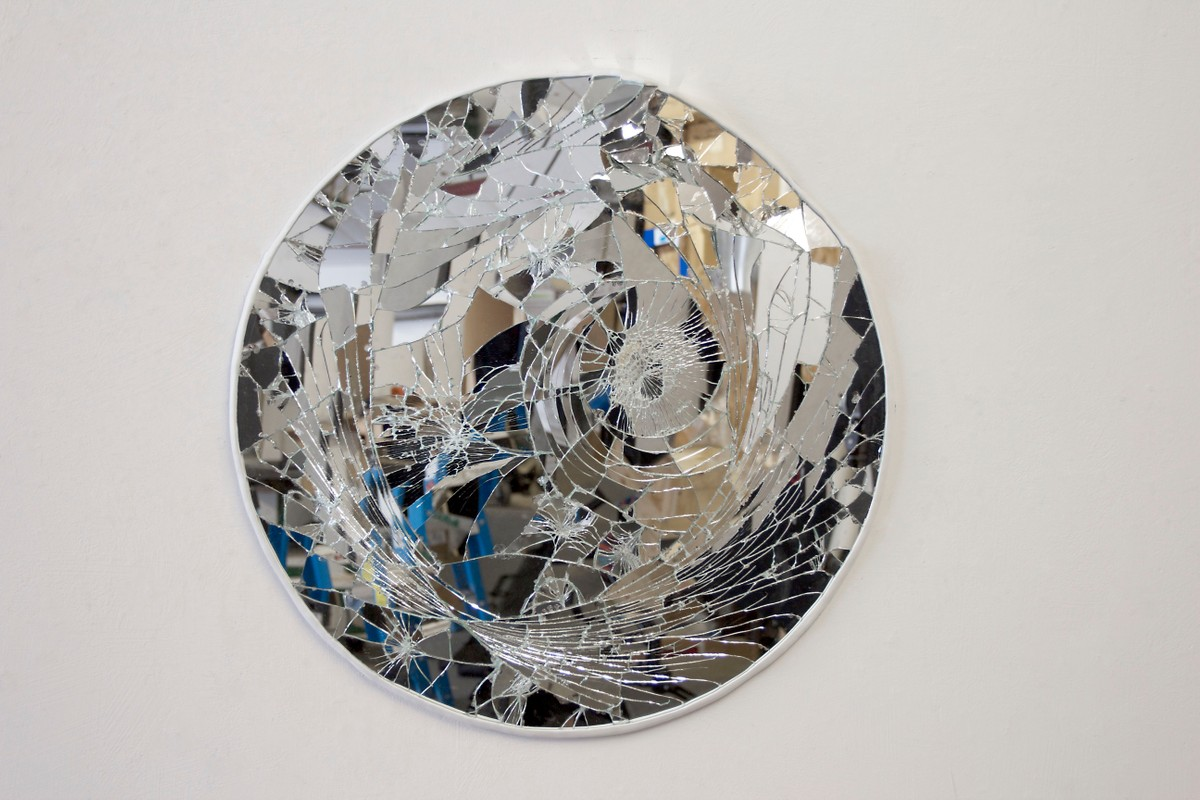 Artwork – Round Broken Mirror, 2017