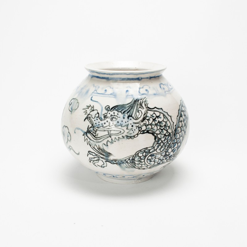 Artwork – Nicholas Oh, Moon Jar 4 by Dave Kim, 2020