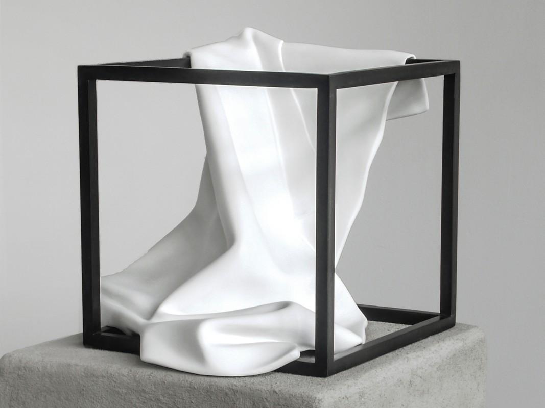 Artwork – white cube (cartesian meditation), 2018