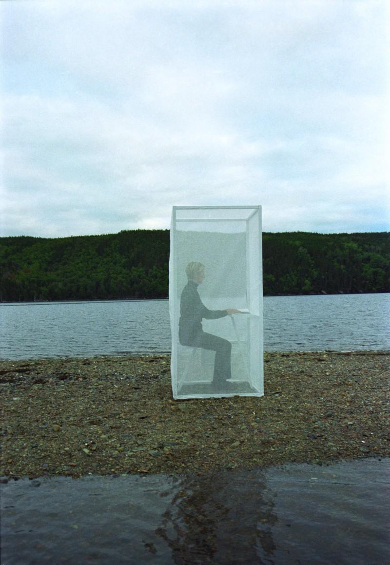 Artwork – Semi-transparent Thinking Box on Thin Strip of Sand, 1999