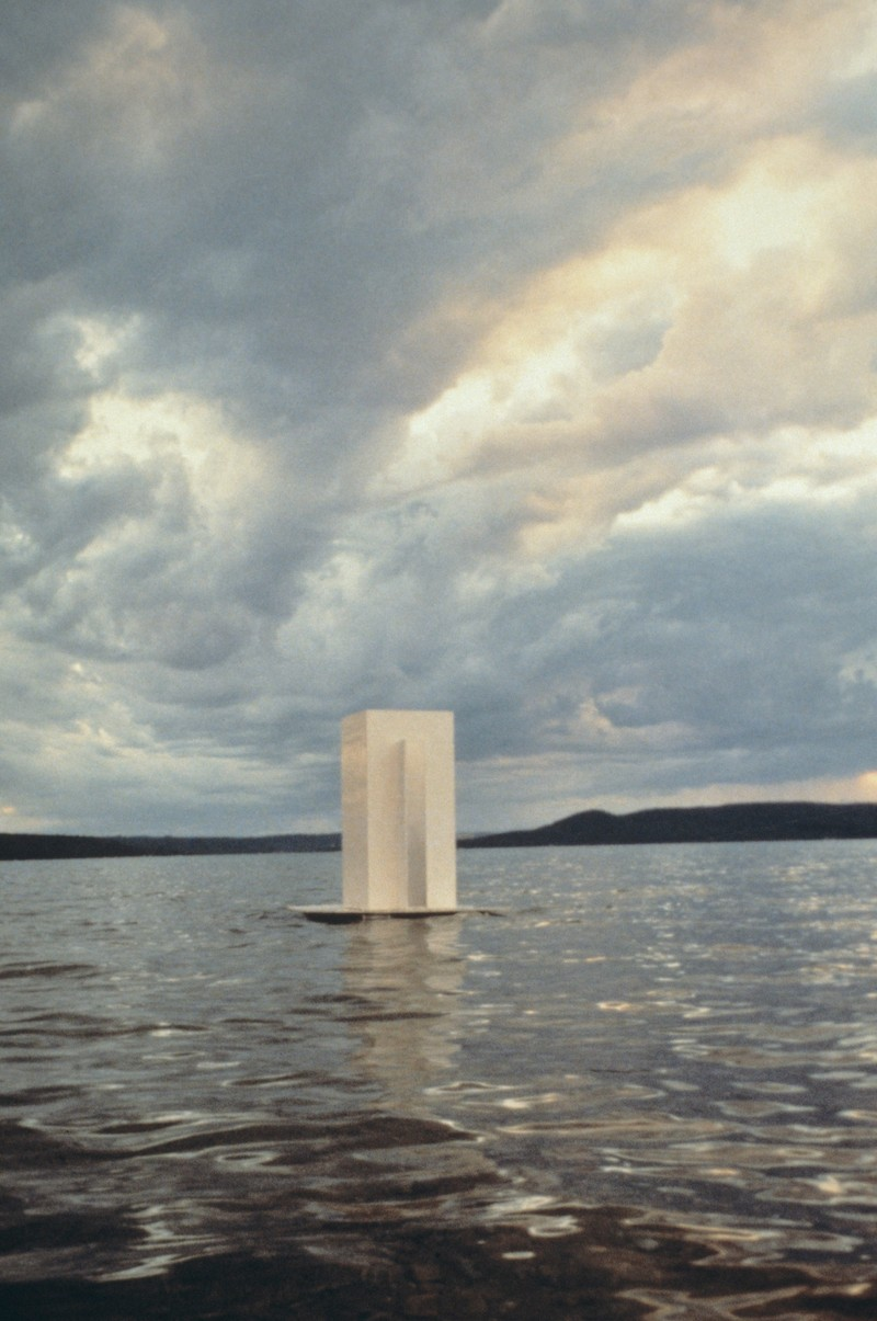 Artwork – Floating Thinking Box, 1998