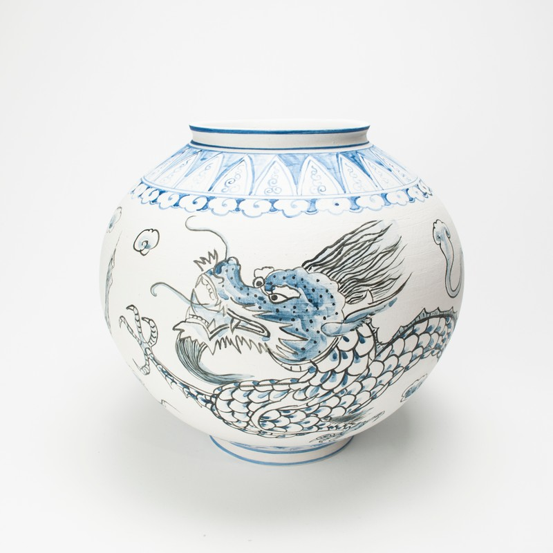 Artwork – Nicholas Oh, Moon Jar 6 by Dave Kim, 2020