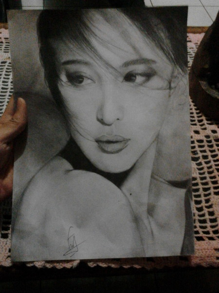 draw your photo in black and white