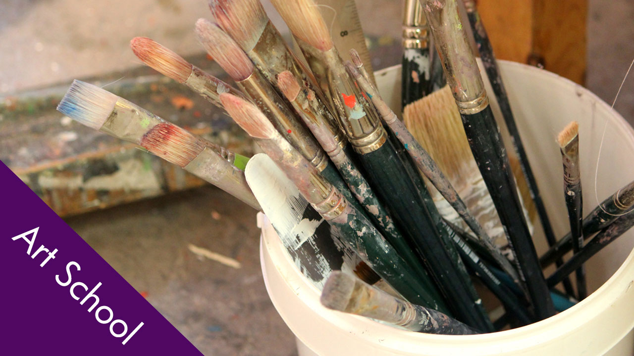 Artist Studio: Oil Painting Brushes