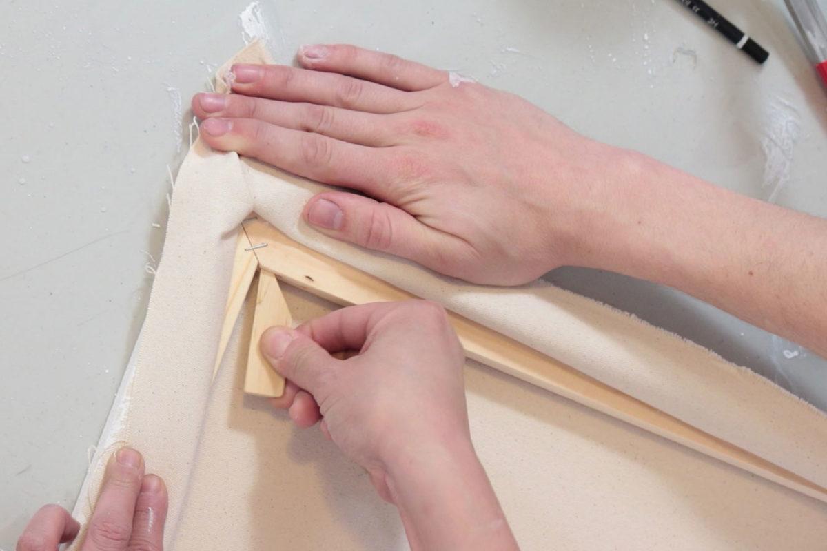 Stretching a Canvas: Rabbitskin Glue & Oil Primer