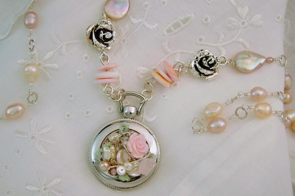 Floralscape necklace
