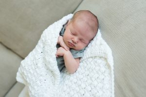 What to Wear: Lifestyle Newborn Session | Artsy Couture