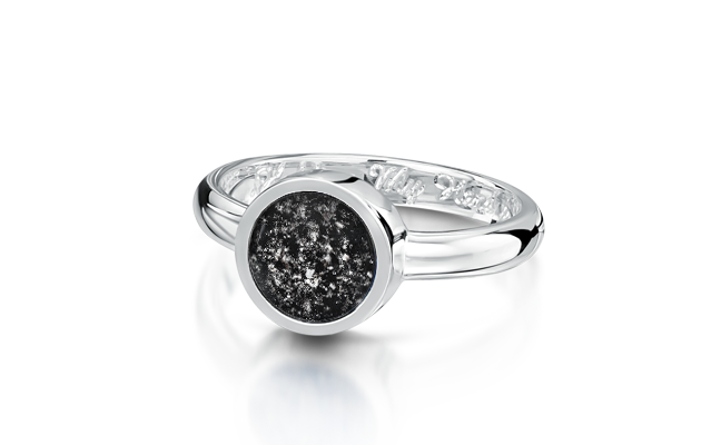 Tribute Ring White Gold Black