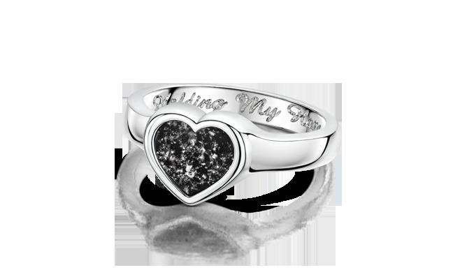 Heart Ring White Gold Black