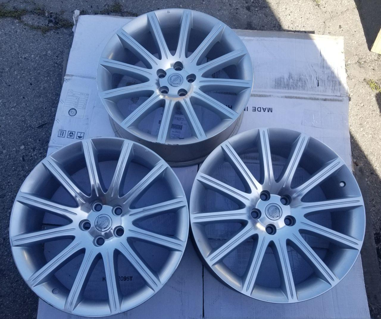 - OEM WHEELS - 2007-2010 DODGE/CHRYSLER 300 20X9 12 SPOKE Hollander #2281 /  USED