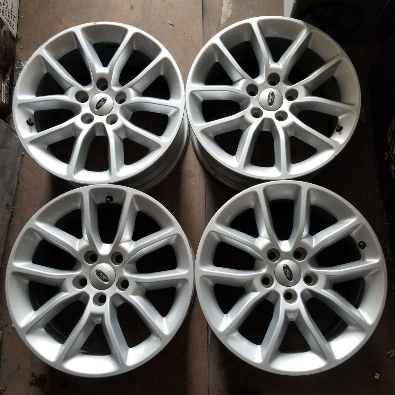 - OEM WHEELS - 2013-2015 FORD FLEX/EDGE/TAURUS 17x7.5 5 SPOKE Hollander #3920 /  USED