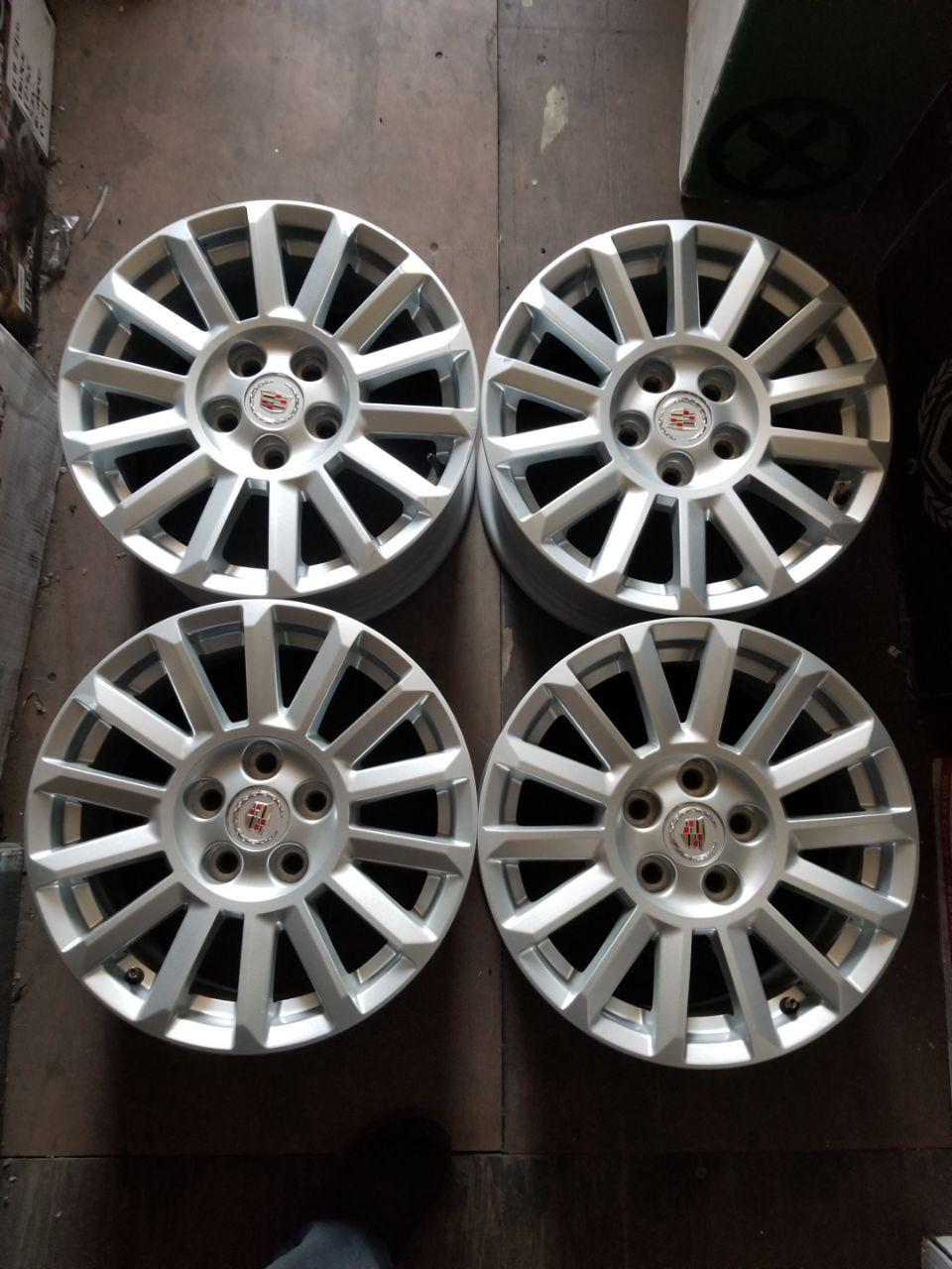 - OEM WHEELS - 2010-2013 CADILLAC CTS 17x8 14 SPOKE SILVER Hollander #4668 /  USED