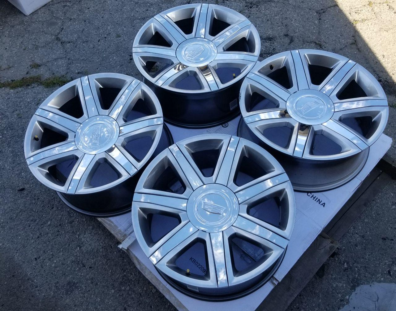 - OEM WHEELS - 2015-2018 CADILLAC ESCALADE 22x9  Hollander #4739 /  USED