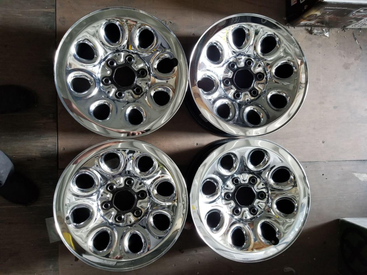 - OEM WHEELS - 2007-2014 GM SIERRA/SILVERADO/SUBURBAN/TAHOE 17X7.5 8 SPOKE Hollander #5223 /  USED