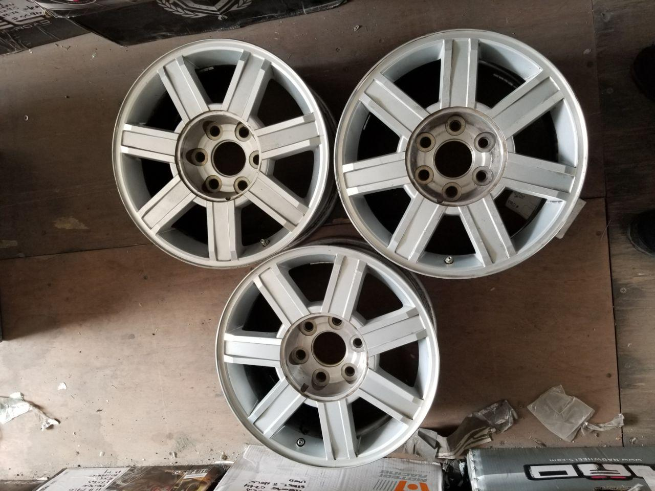 - OEM WHEELS - 2007-2014 GM ESCALADE 18x8 7 SPOKE Hollander #5303 /  USED