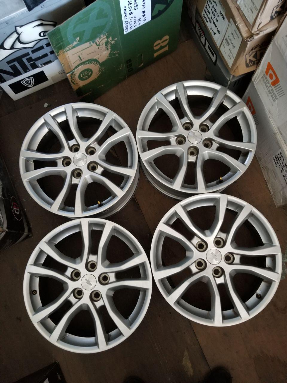 - OEM WHEELS - 2013-2015 GM CAMARO 18x7.5 5 SPLIT SPOKE Hollander #5575/5629 /  USED