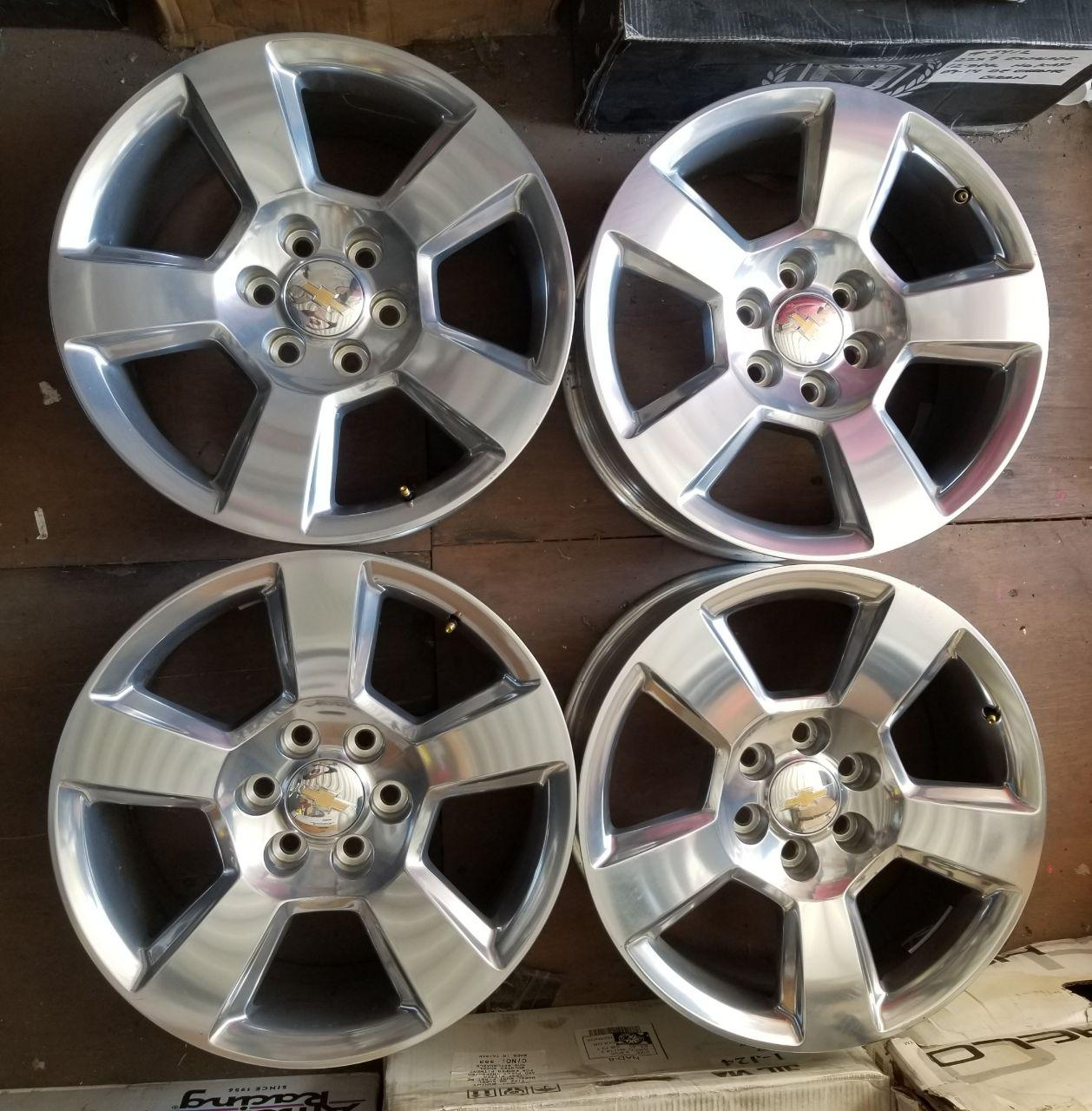 - OEM WHEELS - 2014-2015 GM SILVERADO/SUBURBAN/TAHOE 20x9 5 SPOKE Hollander #5652 /  USED