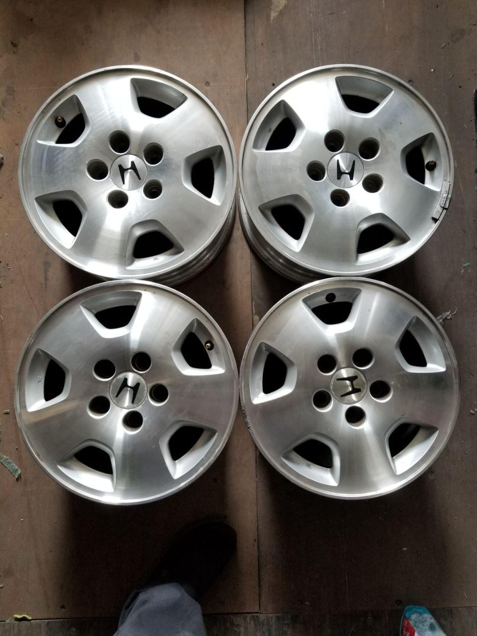- OEM WHEELS - 2001-2002 HONDA ACCORD 15x6.5 5 SPOKE Hollander #63836 /  USED