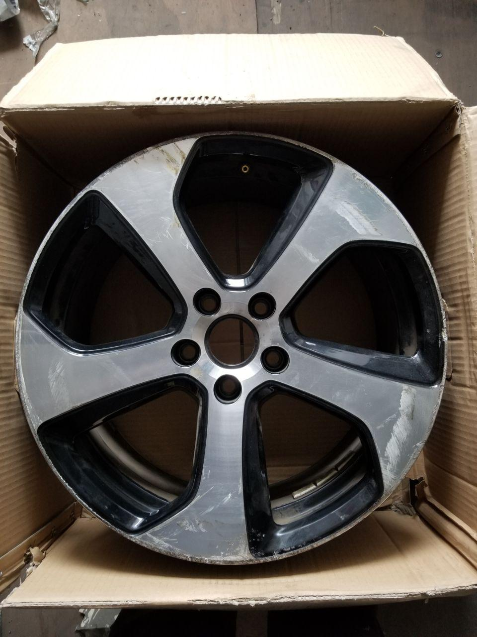 - OEM WHEELS - 2014-2018 VW GOLF 18x7.5 5 SPOKE Hollander #69980 /  USED